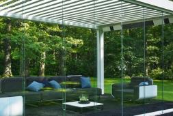 Panneaux coulissants en verre
